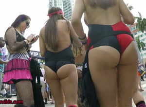 Candid gals with awesome massive rump..