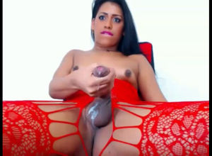 Yummy latina she-male splashes a..