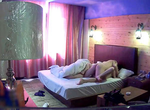 Japanese duo tears up in motel in..