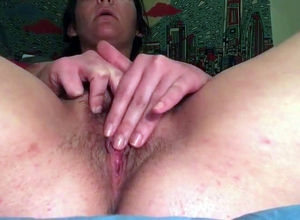 Older Plumper Sally jacking her vag