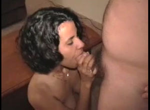 Insatiable first-timer wifey gets face..