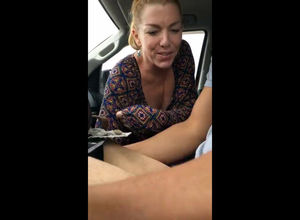 Casual mature super-bitch gives an..