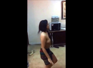 Indian lady Mujra dancing stripped to..