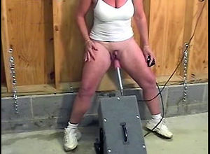 Mature gal jacked ample clit, poked..