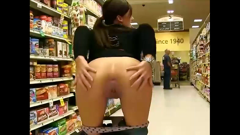 Teen nudist display cooch and booty in..